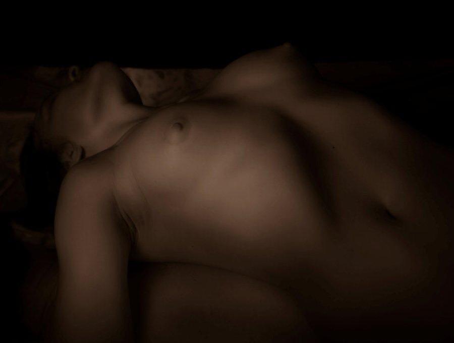 Юля - мастер эротического массажа