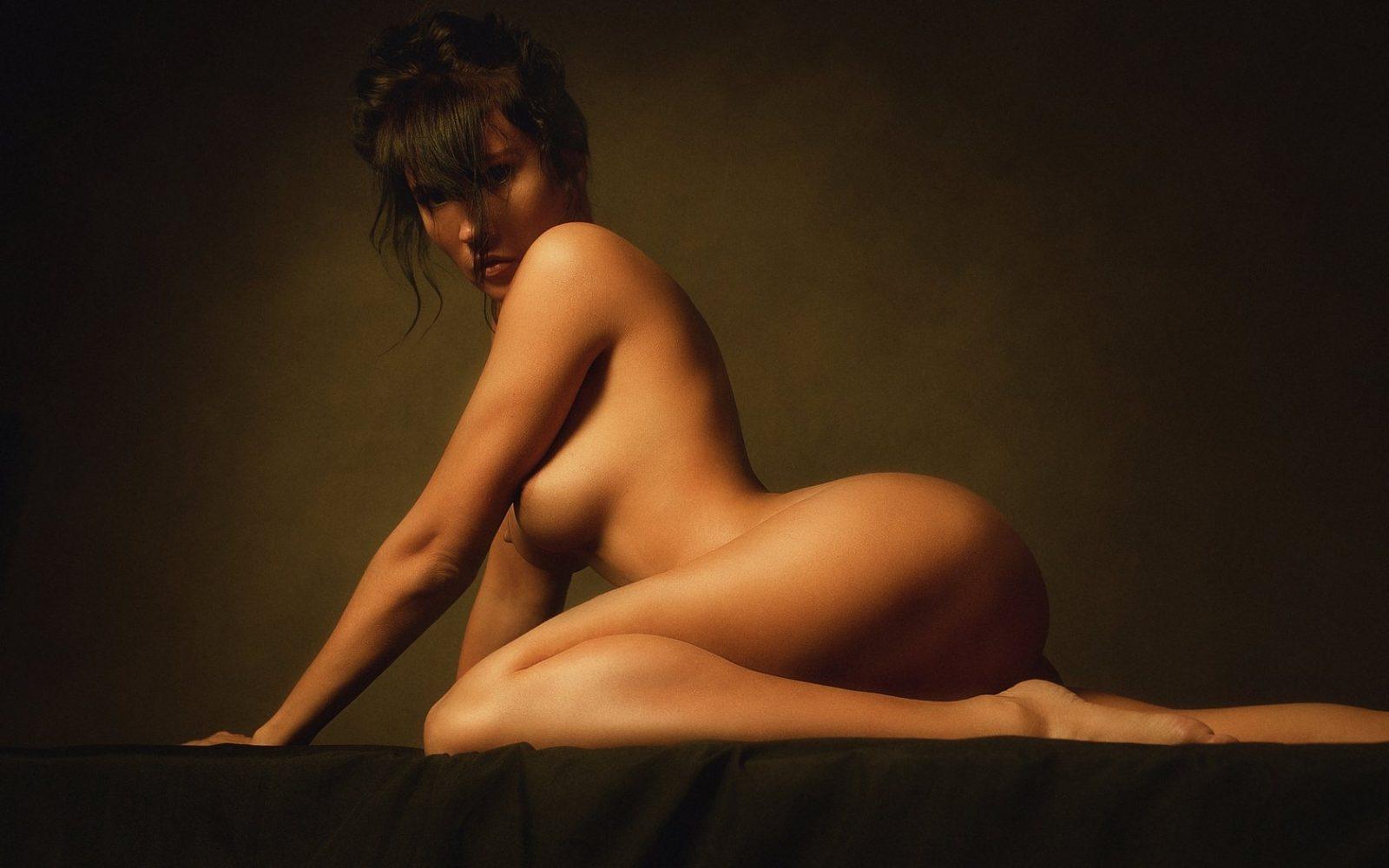 История возникновения эротического массажа