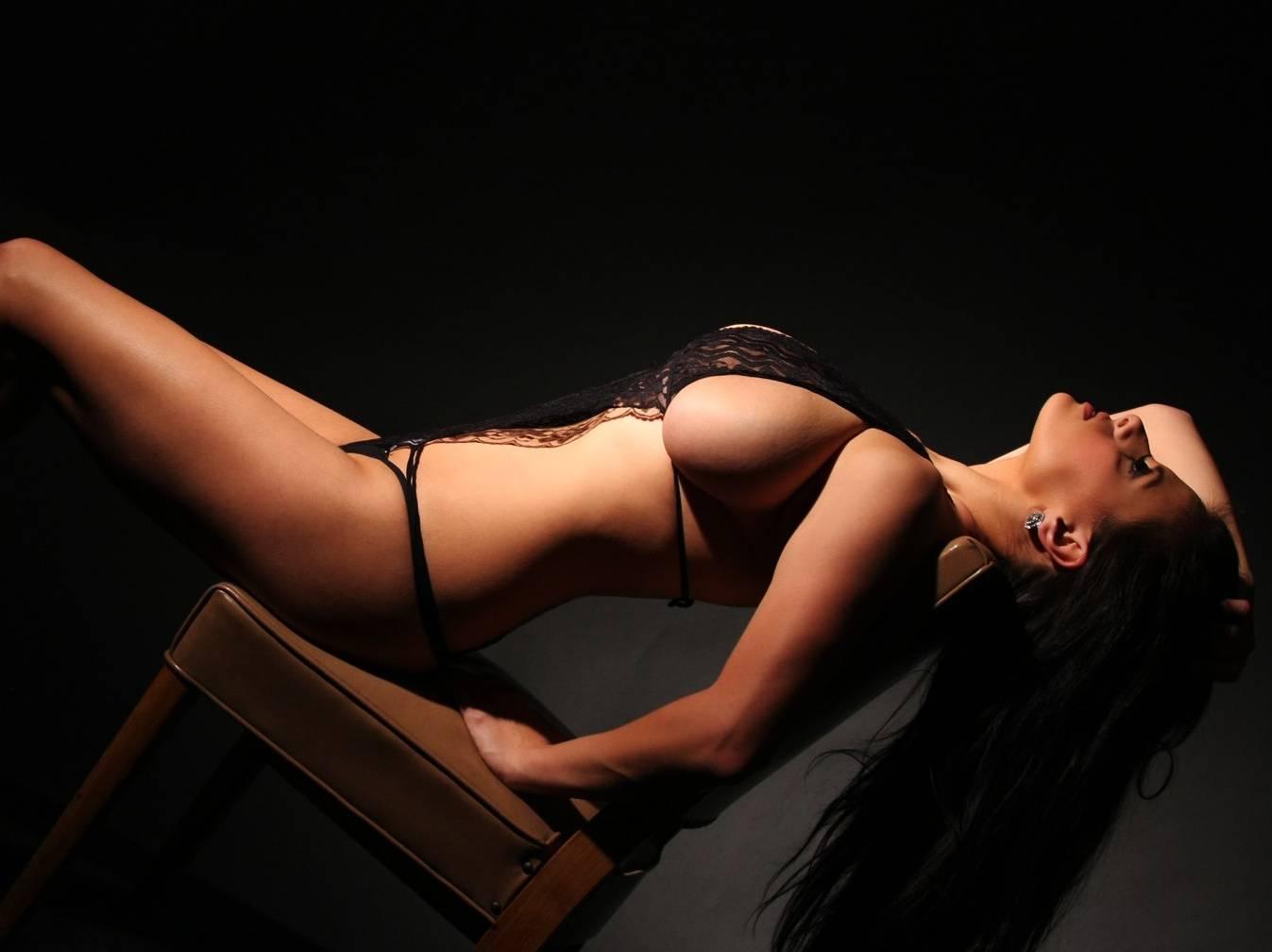 Сеанс эротического массажа – подарок для мужчин