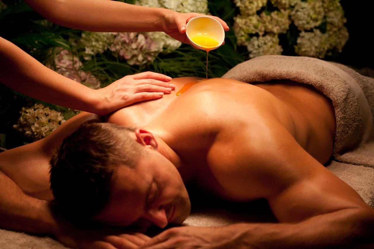 Эротический массаж спины для мужчин