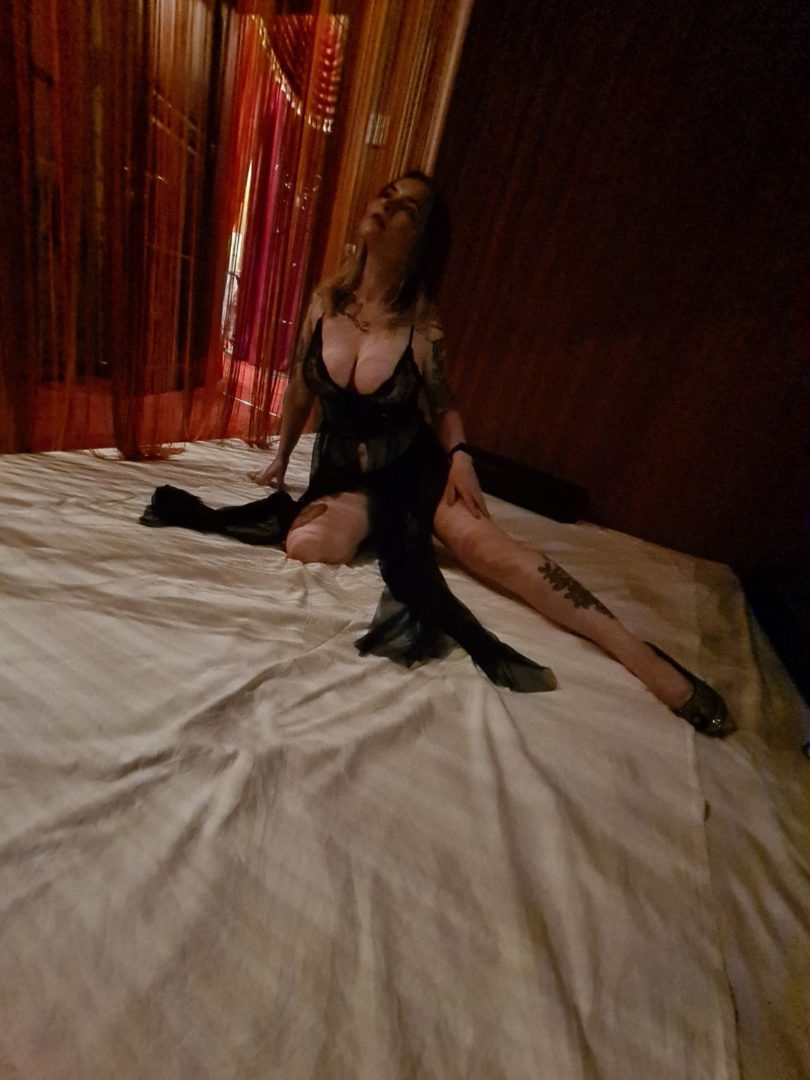 Мария - мастер эротического массажа